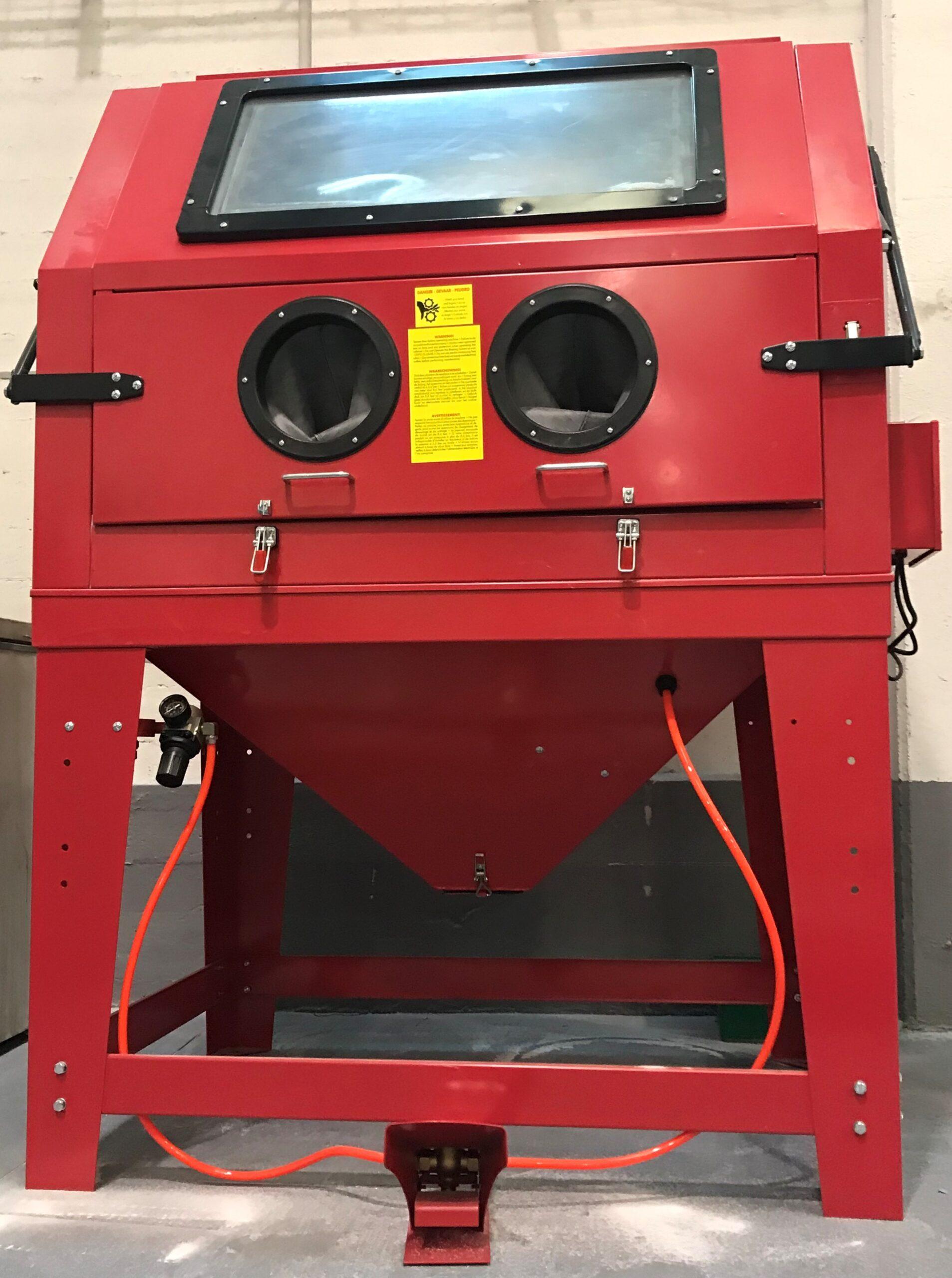 Sandblasting machine